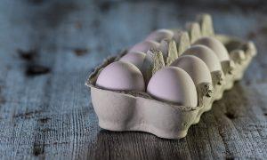 ¿Qué beneficios tienen las claras de huevo?